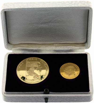 1965 Churchill Gold Medallion Two Coin Set in Presentation Box